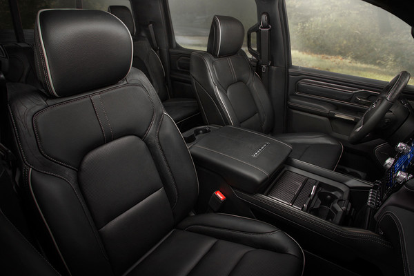 2019 RAM 1500 Limited, Interieur