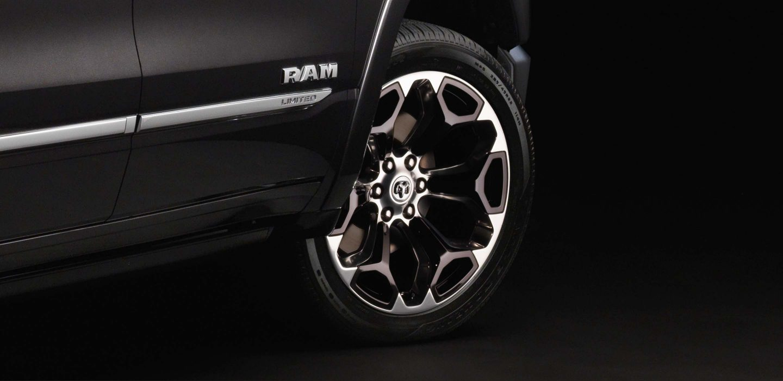 2019 RAM 1500 Limited 22'' Rad