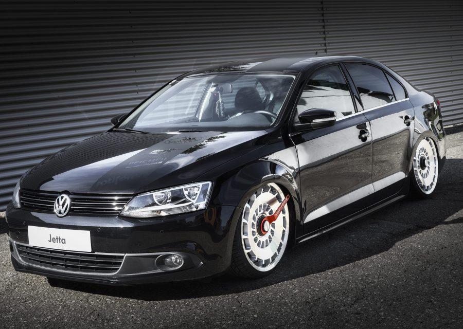 VW Jetta, schwarz, Peicher Performance, Luftfahrwerk