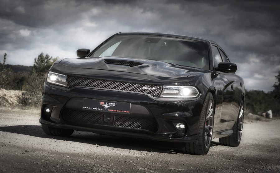 Peicher US-Cars Dodge Charger SRT 392 schwarz vorne
